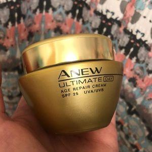 New Avon Anew ultimate age repair cream 1.7 fl Oz